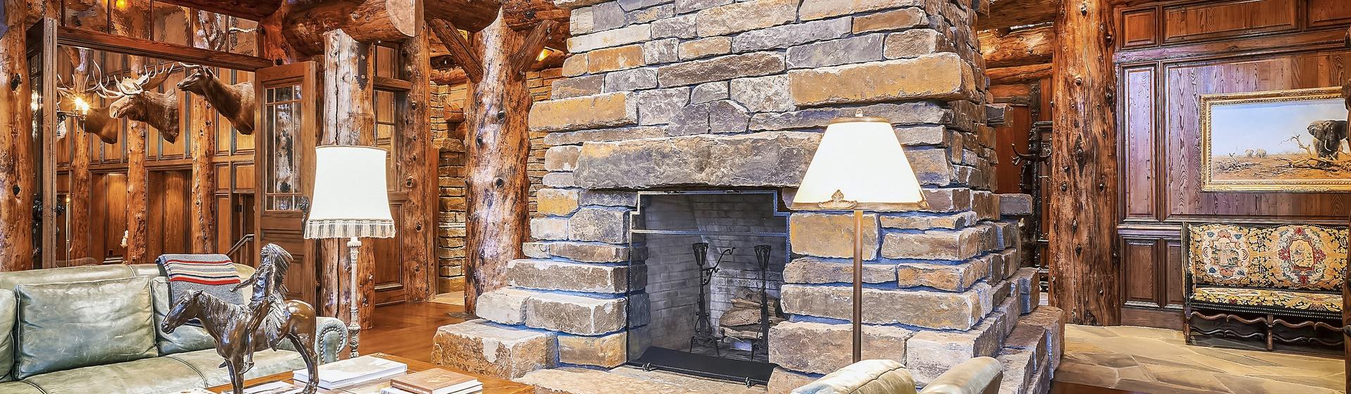 1.5-Telluride-Sleeping-Indian-Ranch-living-room-fireplace-4-web.JPG