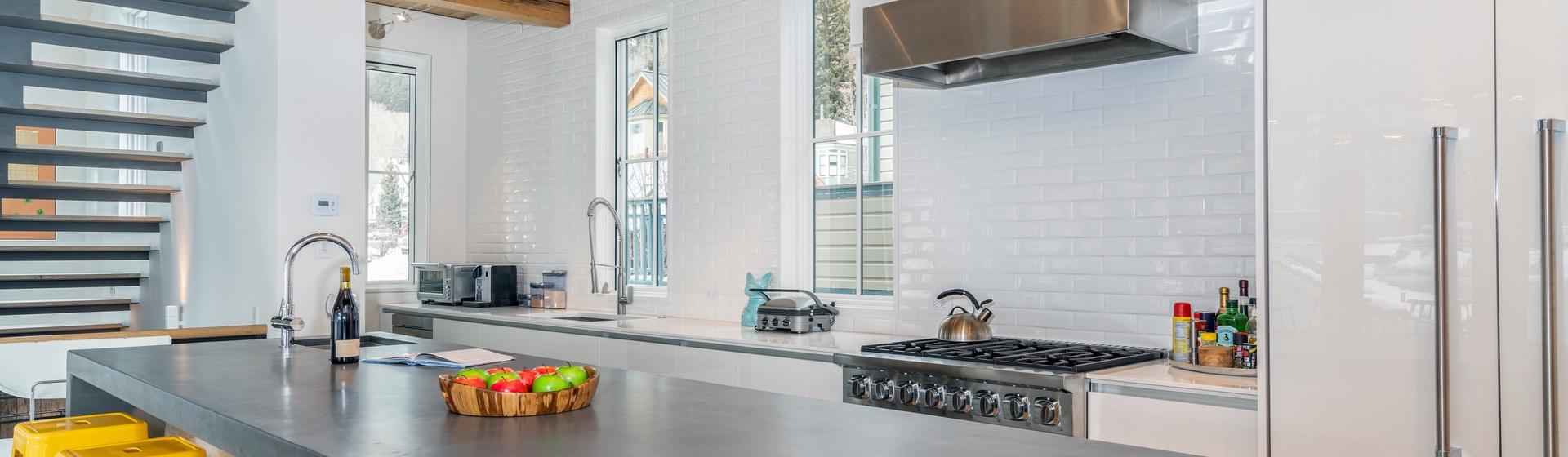 4-Telluride-The-Sunnyside-Kitchen-Island-Web.jpg