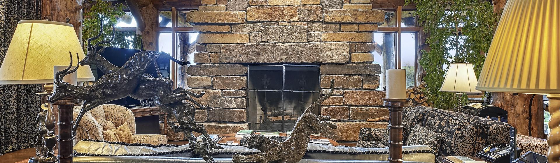 1.4-Telluride-Sleeping-Indian-Ranch-living-room-fireplace-3-web.JPG