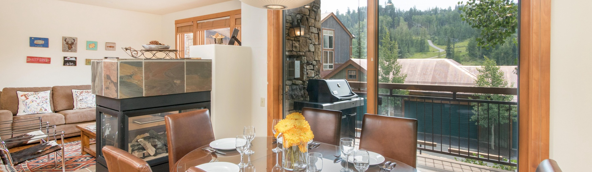 3-Telluride-Terraces-101-Dining-Area.JPG