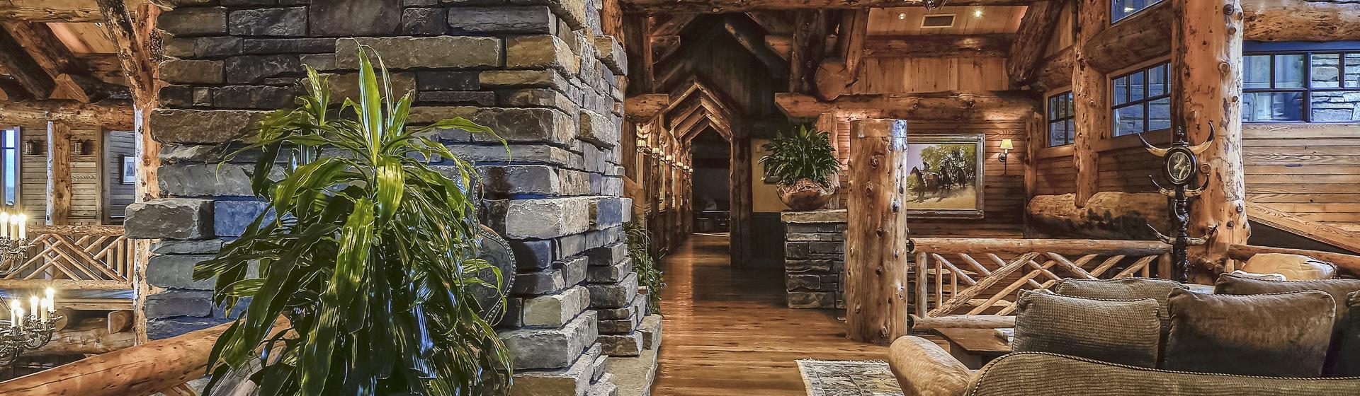 6.3-Telluride-Sleeping-Indian-Ranch-second-floor-landing-sitting-area-2-web.JPG