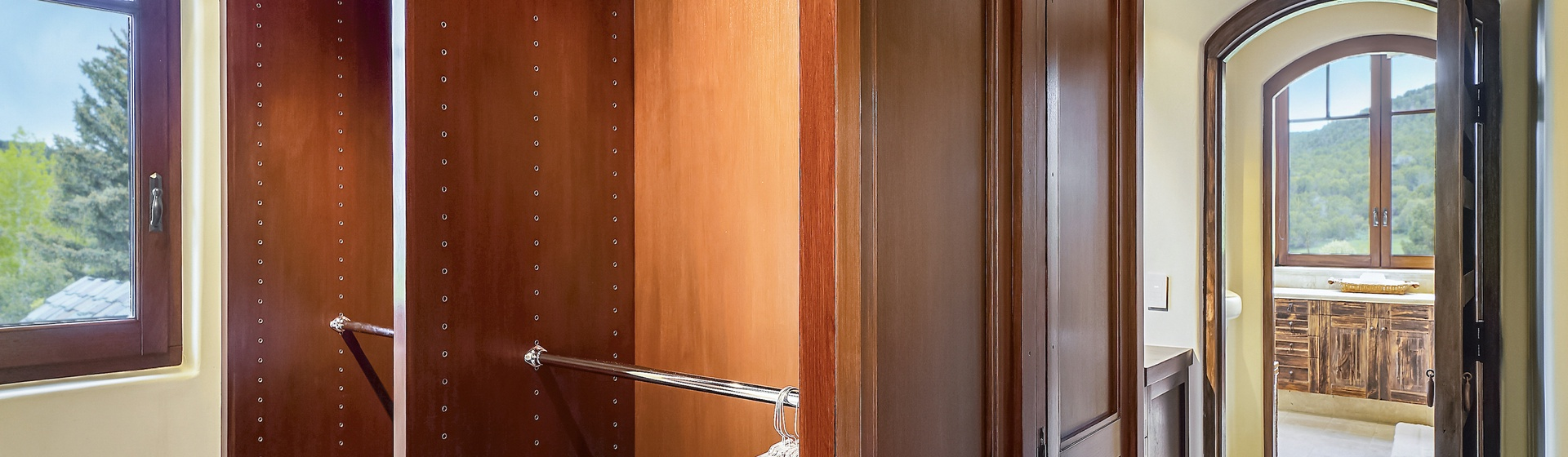 8.10-Telluride-Sleeping-Indian-Ranch-Southwest-Suite-Master-Bedroom-G-Closet-web.JPG