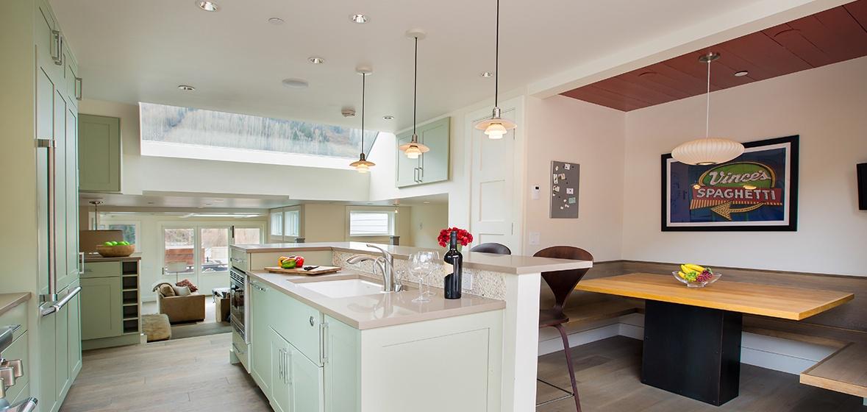 11-Telluride-Meribel-Penthouse-Kitchen-Island-v12.jpg