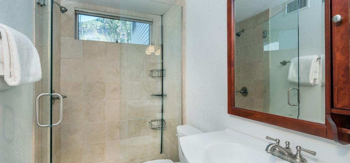 3.02-telluride-plunge-j-bathroom-A-v12.jpg