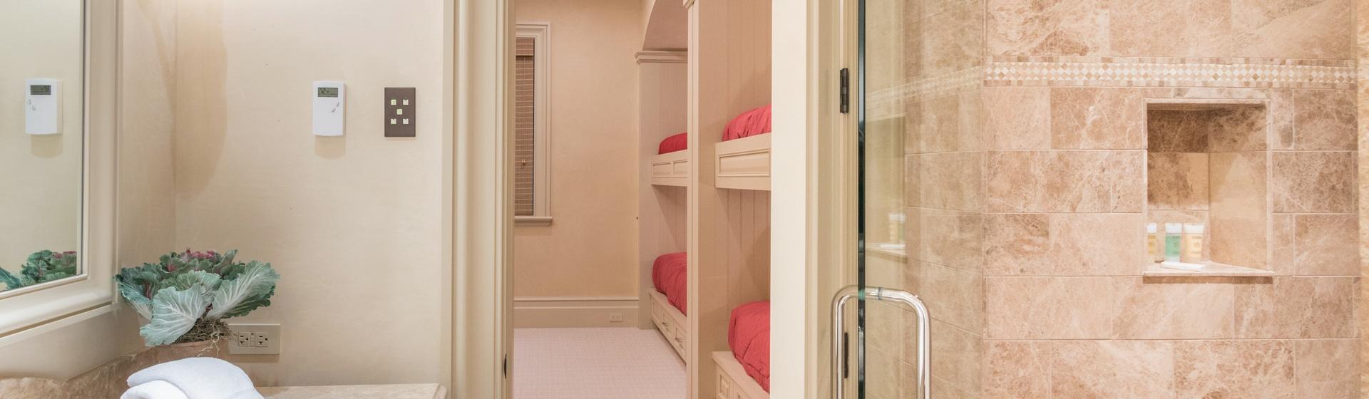 5.20-mountain-village-hood-park-manor-bunk-bedroom-bathroom-track.JPG