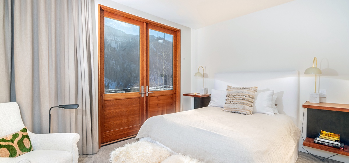20-Telluride-Happy-Thoughts-Guest-Bedroom-2-v12.jpg