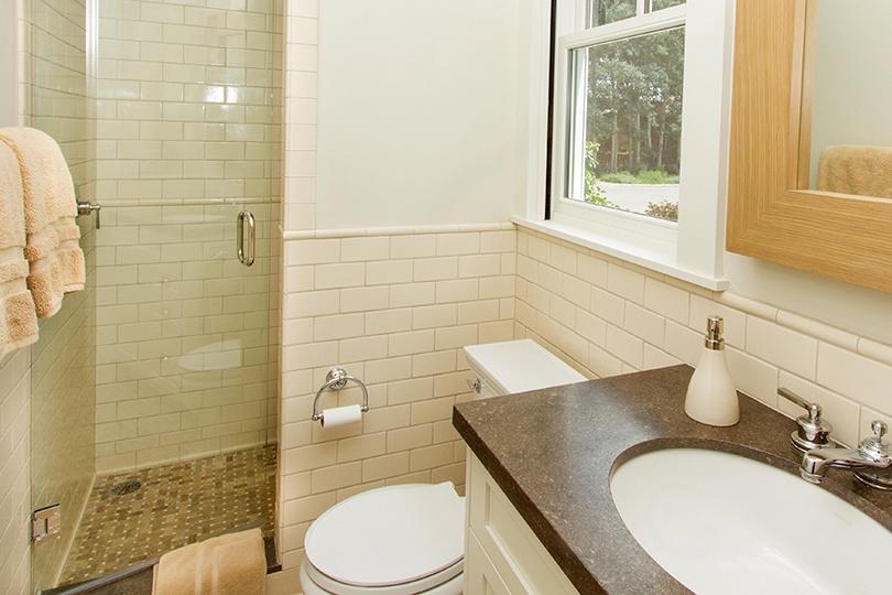 18-Telluride-SpruceHouse-Guestbathroom-V12.jpg