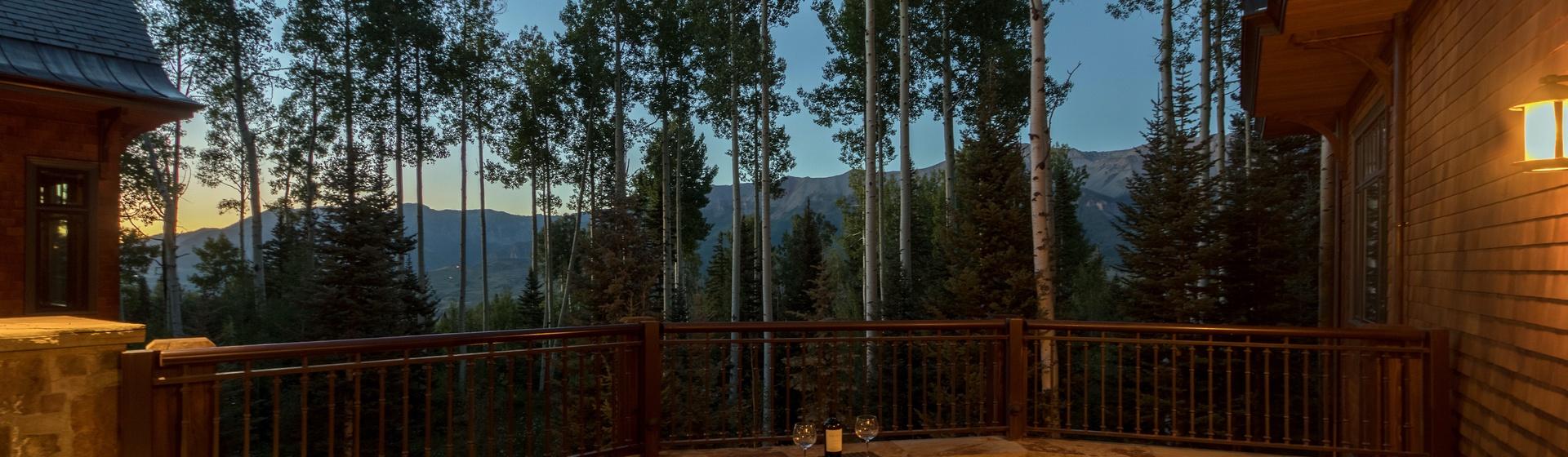 9.06-mountain-village-hood-park-manor-patio-sunset-view-track.JPG