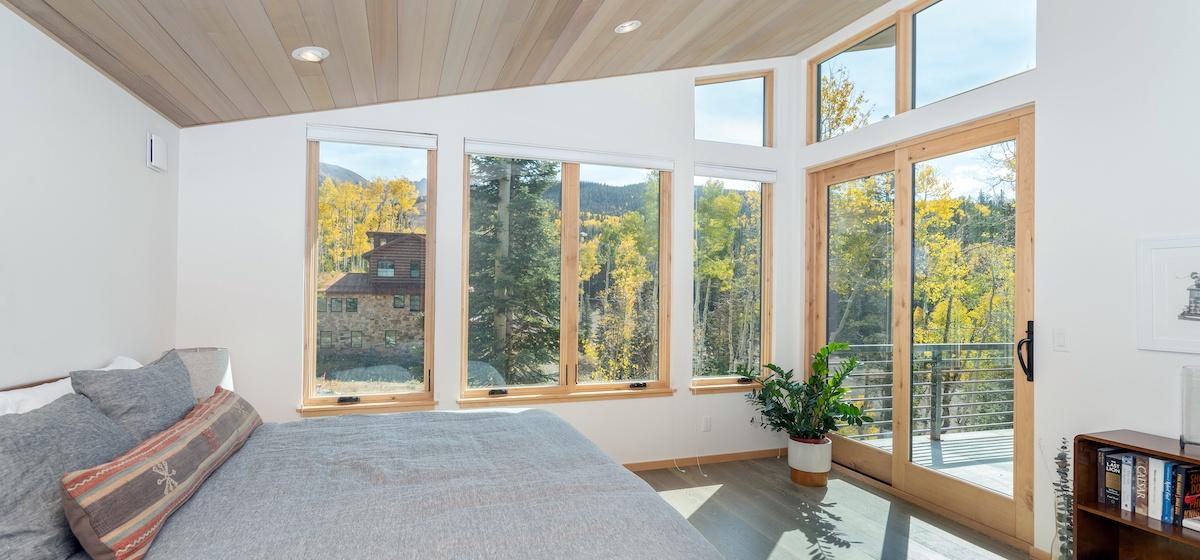 2.08-mountain-village-chalet-cortina-guest-bedroom-1-V12.jpg