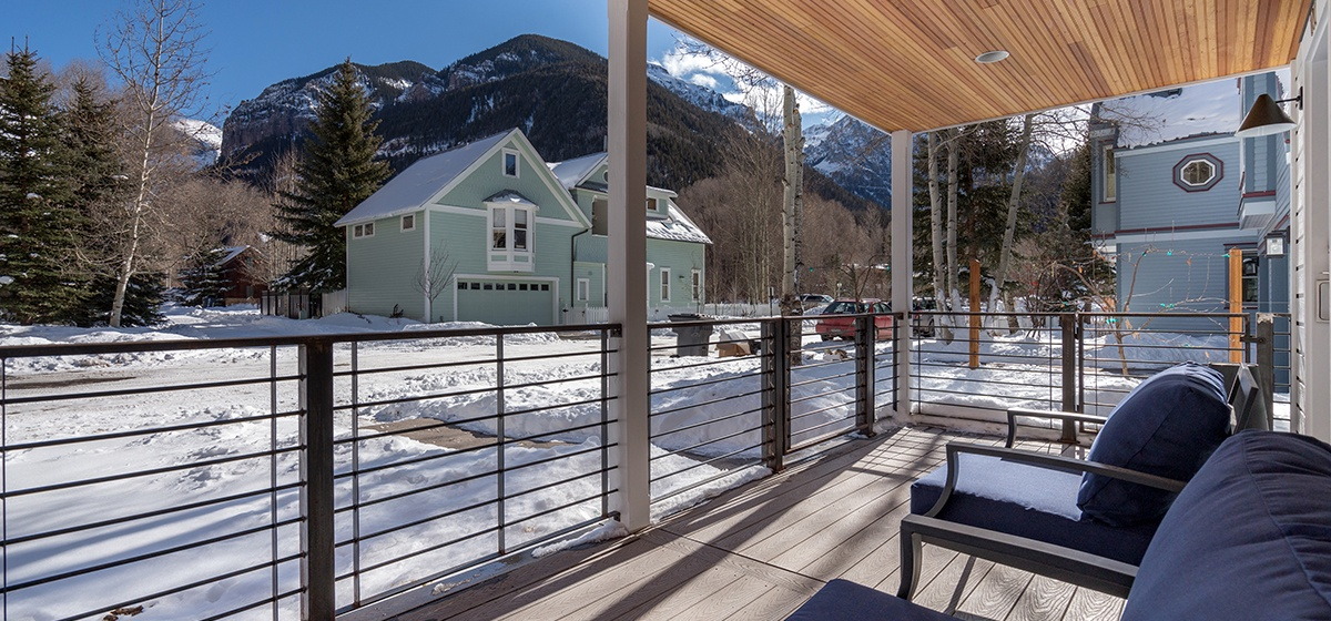 1.5-Telluride-Telluride_s-Peak-Porch-View-LR.jpg
