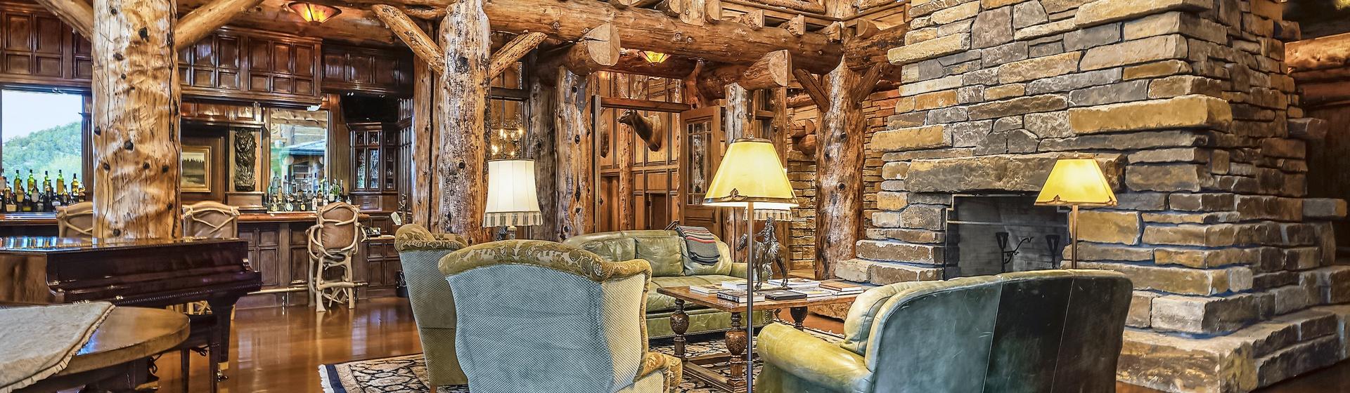 1.3-Telluride-Sleeping-Indian-Ranch-living-room-fireplace-2-web.JPG