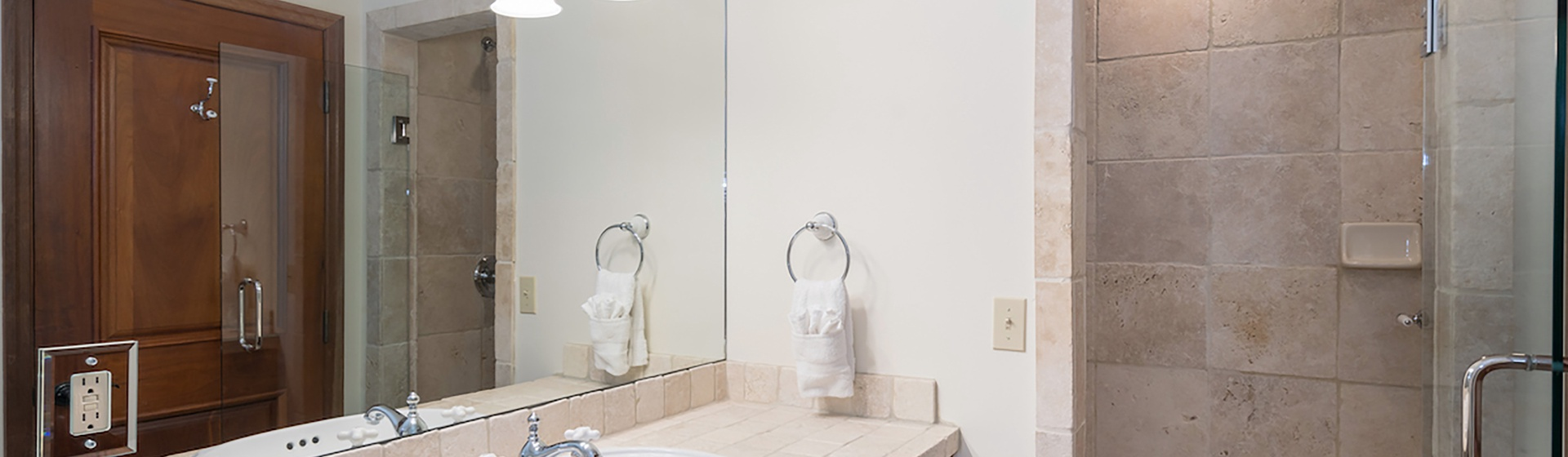 3.07-telluride-south-pacific-new-guest-bathroom-v12-Web.jpg