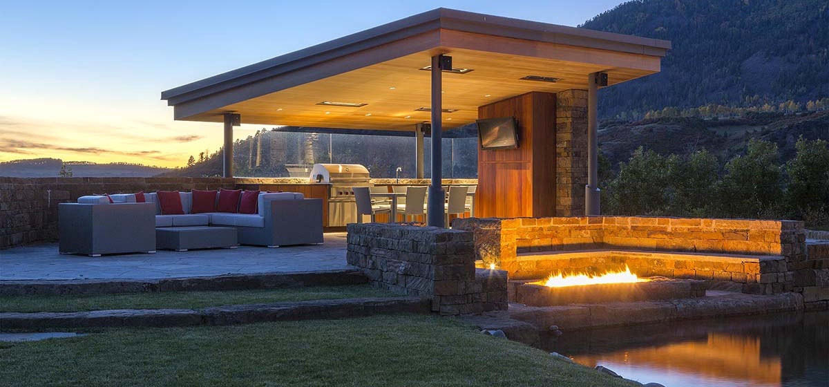 7-RemoteTelluride-SunsetRidge-OutDoorSeating.jpg