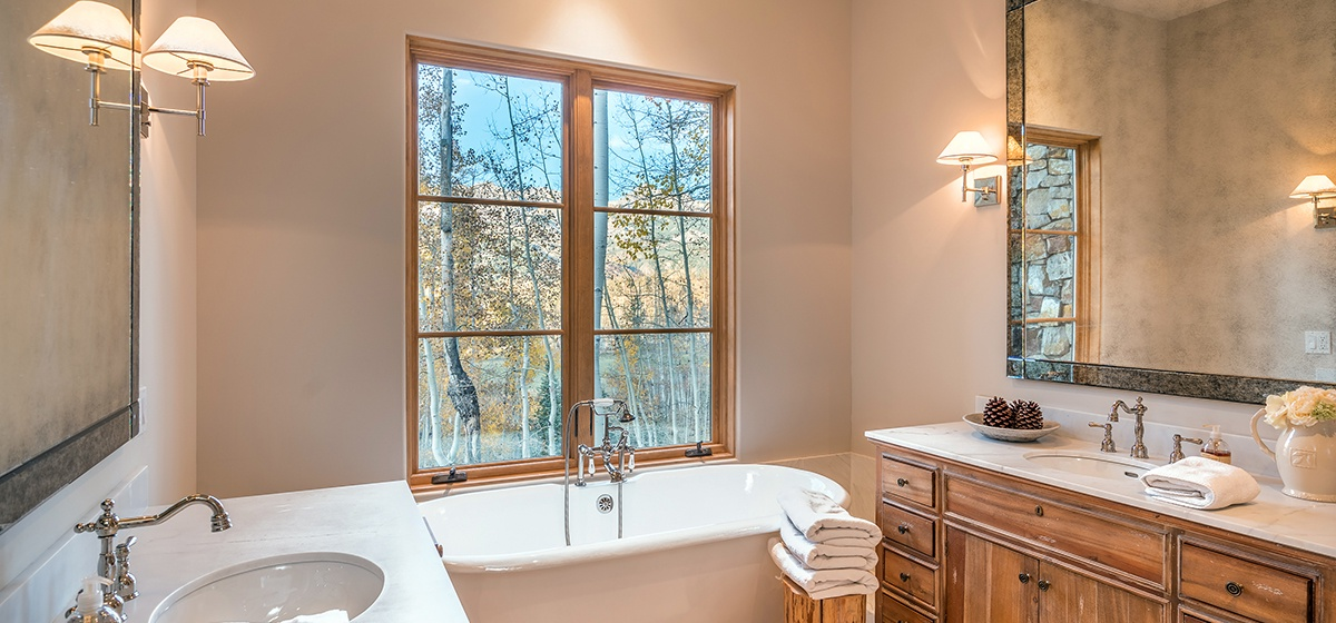 12-MountainVillage-PetraDomus-MasterBath-V12.jpg