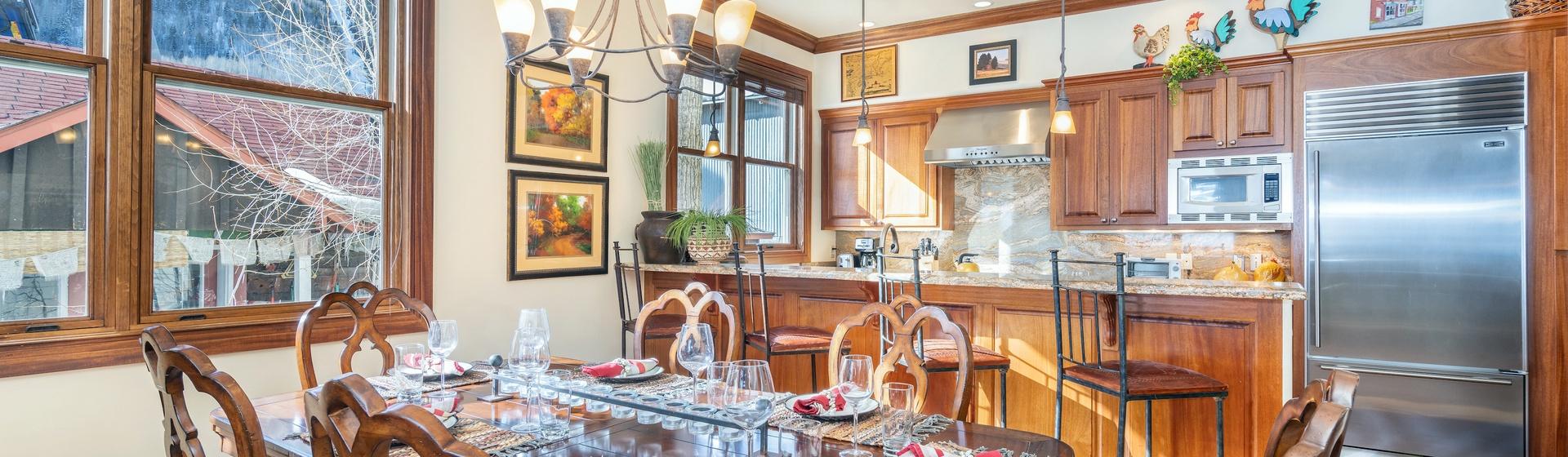1.03-telluride-tres-casa-A-dining-kitchen-web.jpg