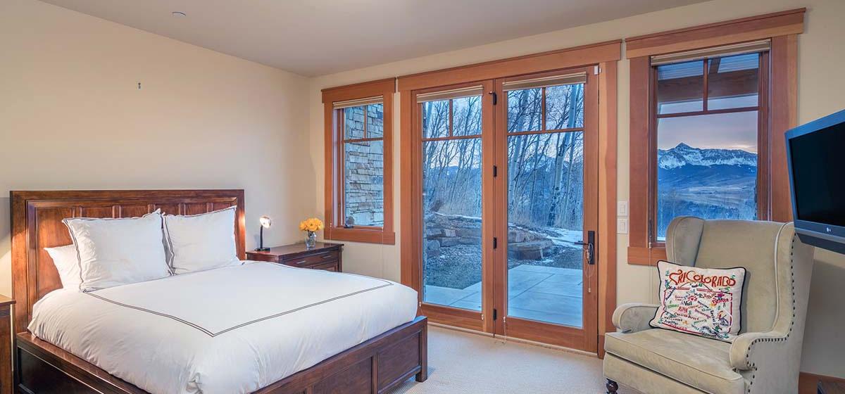 19-Telluride-Grand-Vista-Downstairs-Queen-Guest-Bedroom-LR.jpg