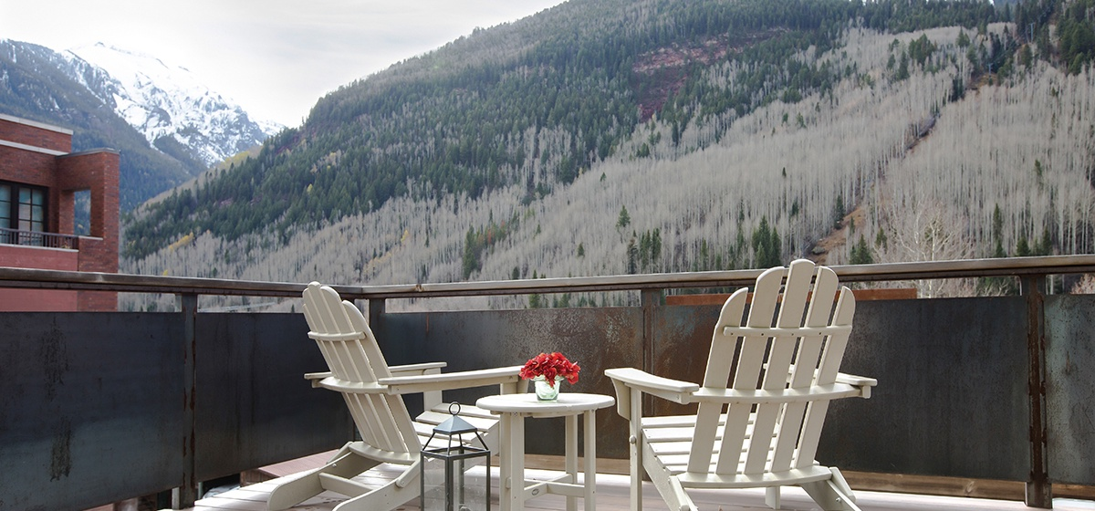 4-Telluride-Meribel-Penthouse-Living-Room-Deck-Tight-v12.jpg