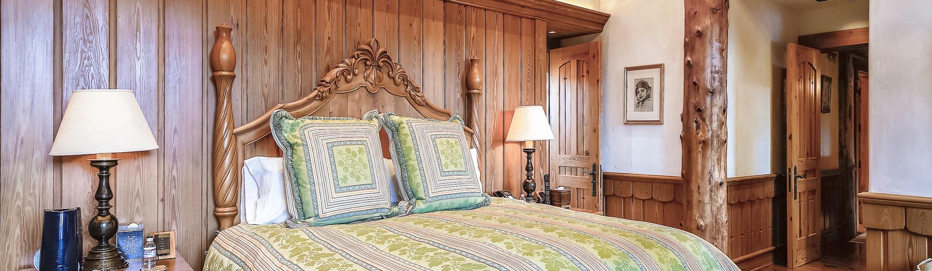 9.9-Telluride-Sleeping-Indian-Ranch-Swiss-Suite-Master-Bedroom-I-2-web.JPG