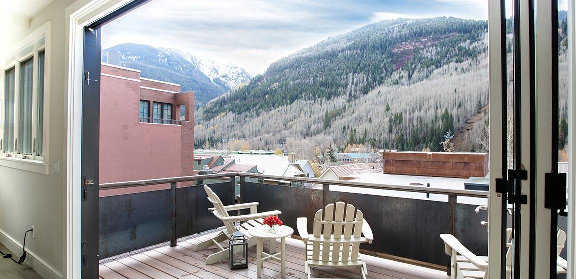 3-Telluride-Meribel-Penthouse-Living-Room-Deck-v12.jpg