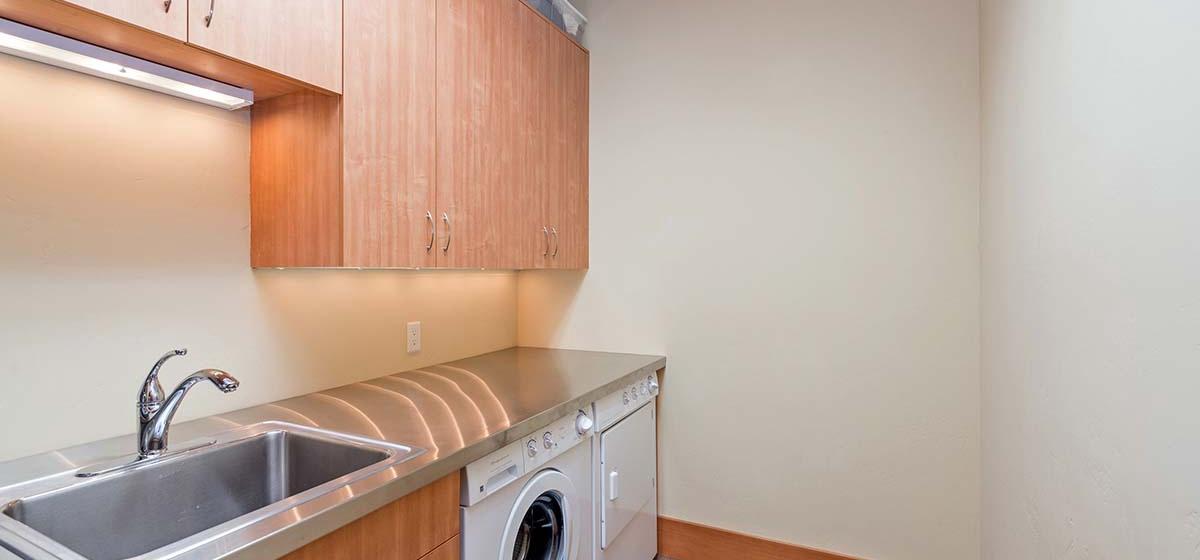23-Telluride-Grand-Vista-Laundry-LR.jpg