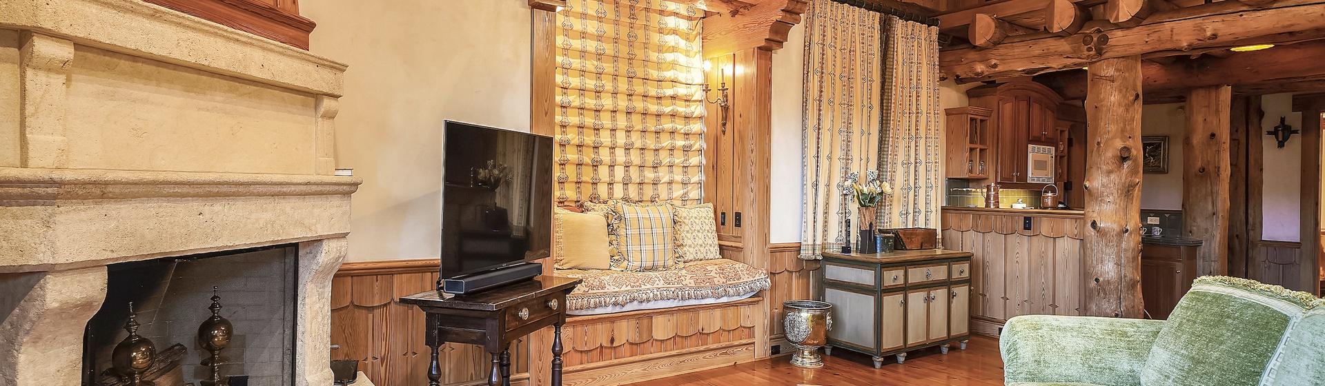 9.2-Telluride-Sleeping-Indian-Ranch-Swiss-Suite-Sitting-Room-2JPG-web.JPG