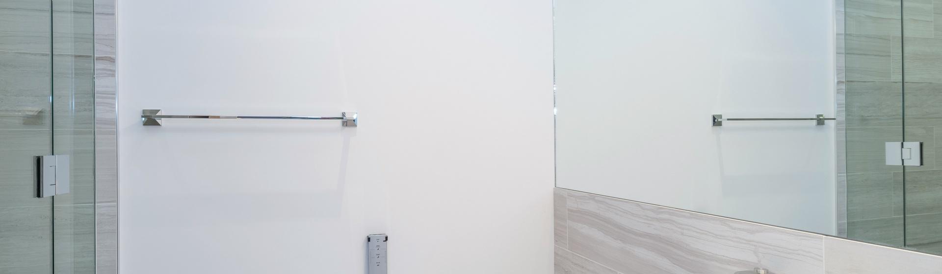 27-Telluride-The-Sunnyside-Downstairs-Guest-Suite-Bathroom-Web.jpg