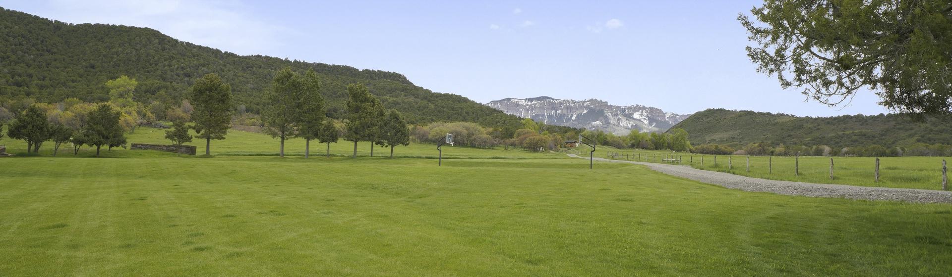 13.10-Telluride-Sleeping-Indian-Ranch-view-4-web.JPG