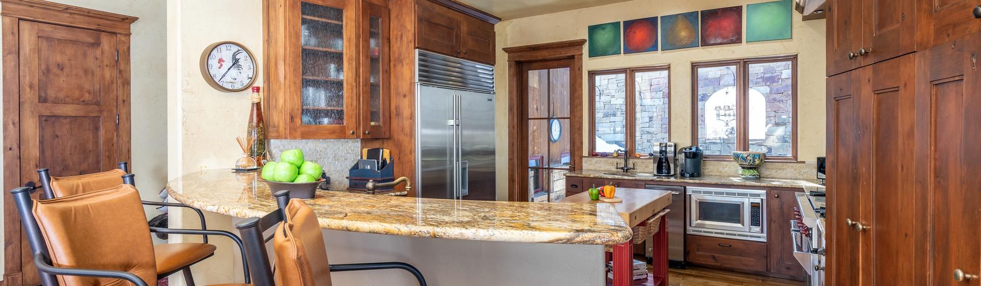 5-Telluride-Stonegate-Kitchen-Bar-Web.jpg