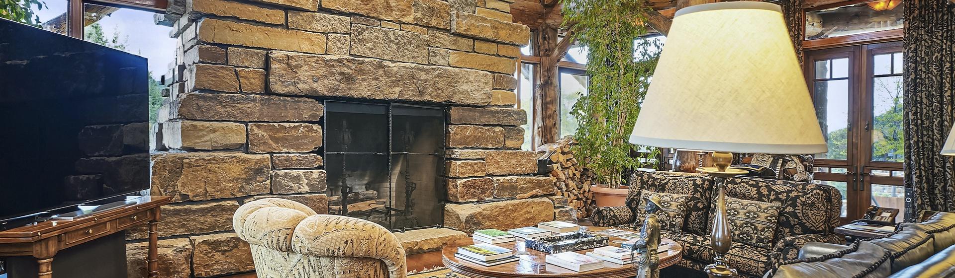 1.2-Telluride-Sleeping-Indian-Ranch-lliving-room-fireplace-1-web.JPG