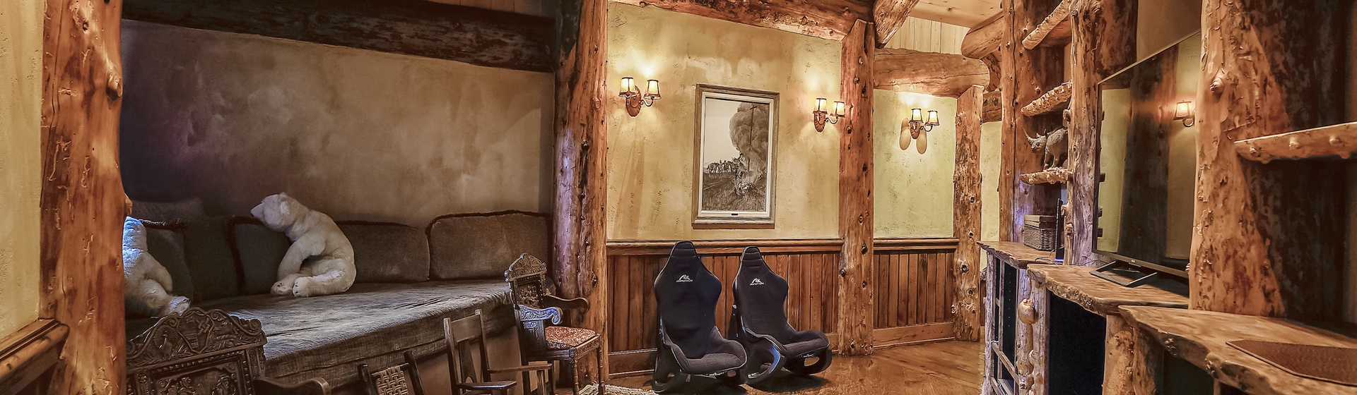 6.6-Telluride-Sleeping-Indian-Ranch-second-floor-sitting-area-2-web.JPG