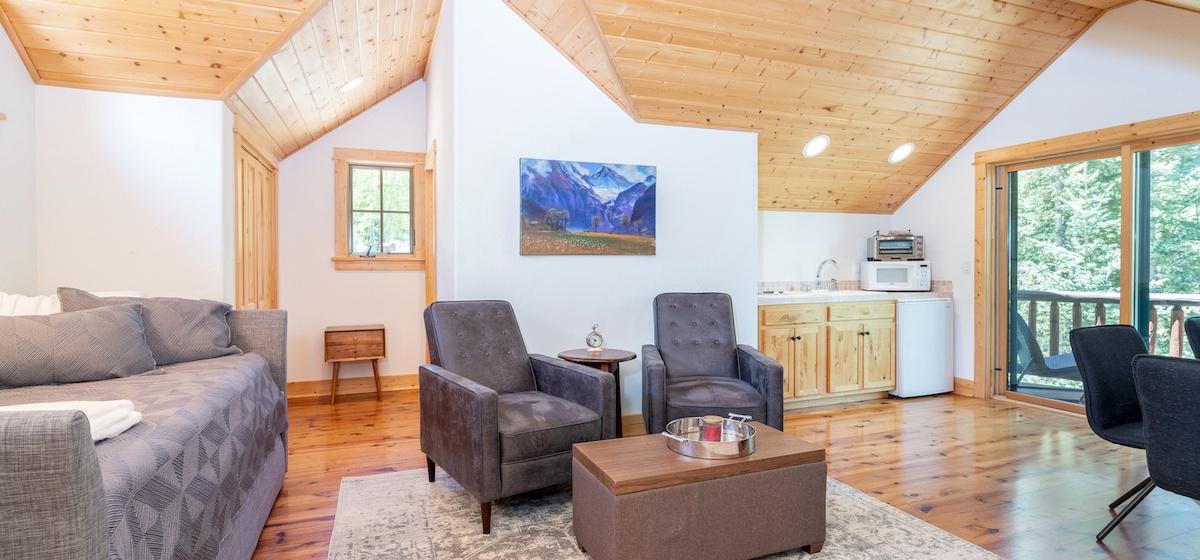 8.01-mountain-village-mountain-melody-studio-apartment-living-area-V12.jpg