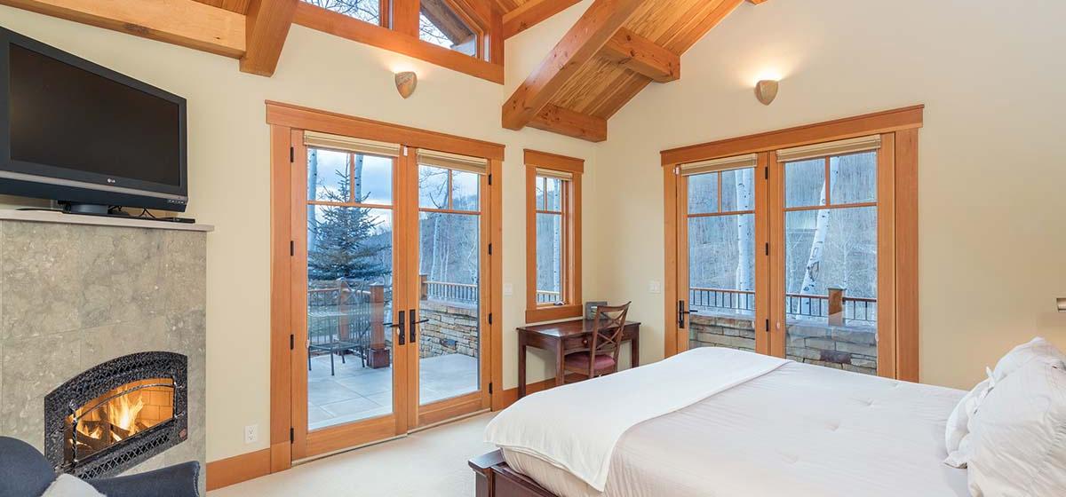 14-Telluride-Grand-Vista-West-Master-Bedroom-LR.jpg