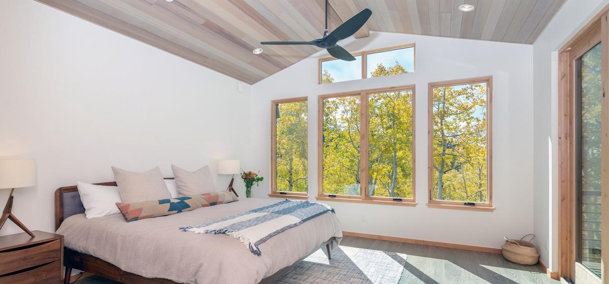 2.01-mountain-village-chalet-cortina-master-suite-bedroom-V12.jpg