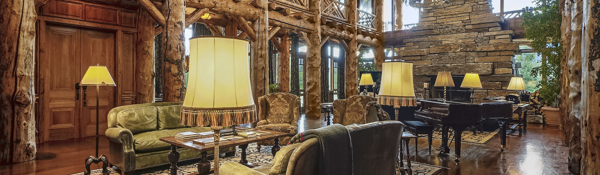 1.1-Telluride-Sleeping-Indian-Ranch-living-room-1-web.JPG