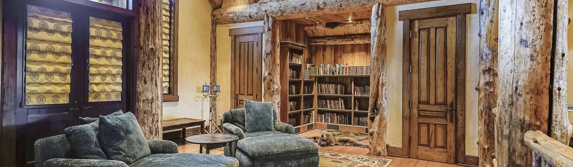 5.8-Telluride-Sleeping-Indian-Ranch-east-wing-suite-loft-sitting-room-web.JPG