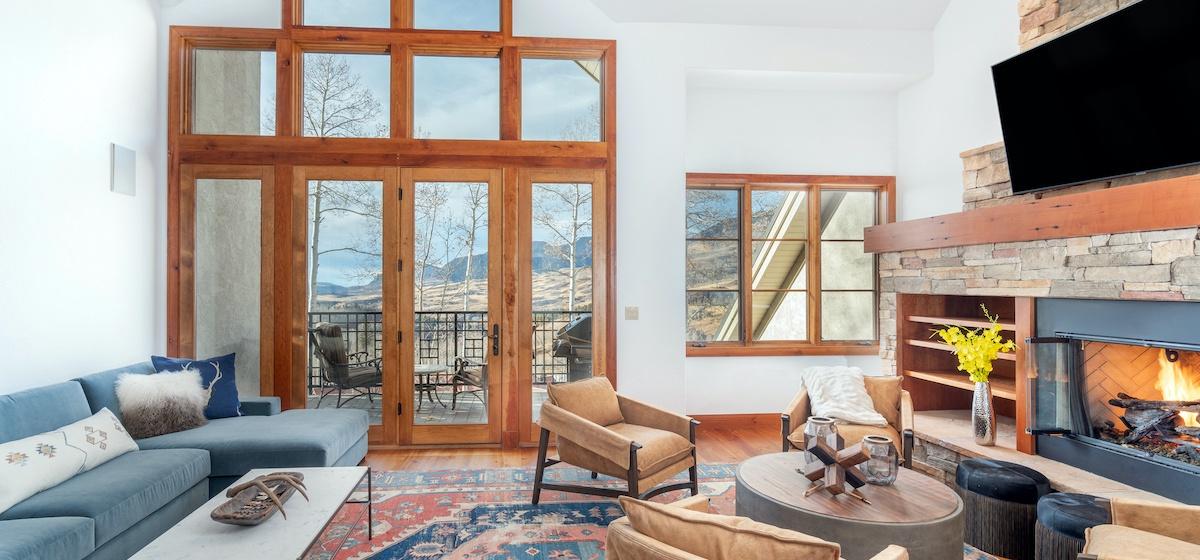 1-Telluride-Aspen-Overlook-Great Room-v12.jpg