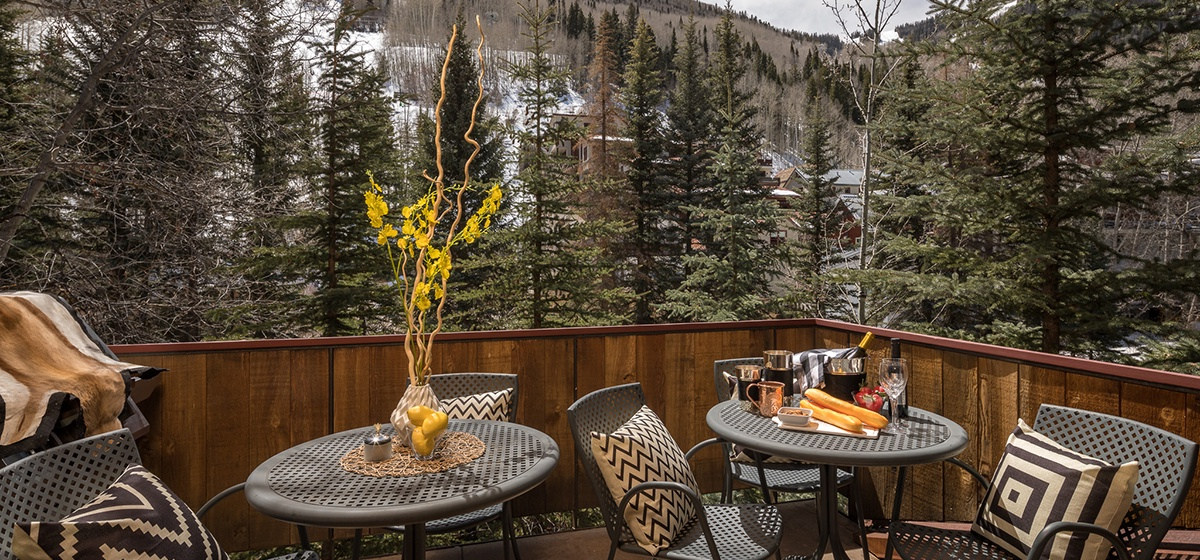 14-Telluride-River-Bliss-Kitchen-Patio-v12.jpg