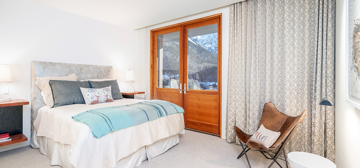 18-Telluride-Happy-Thoughts-Guest-Bedroom-1-v12.jpg