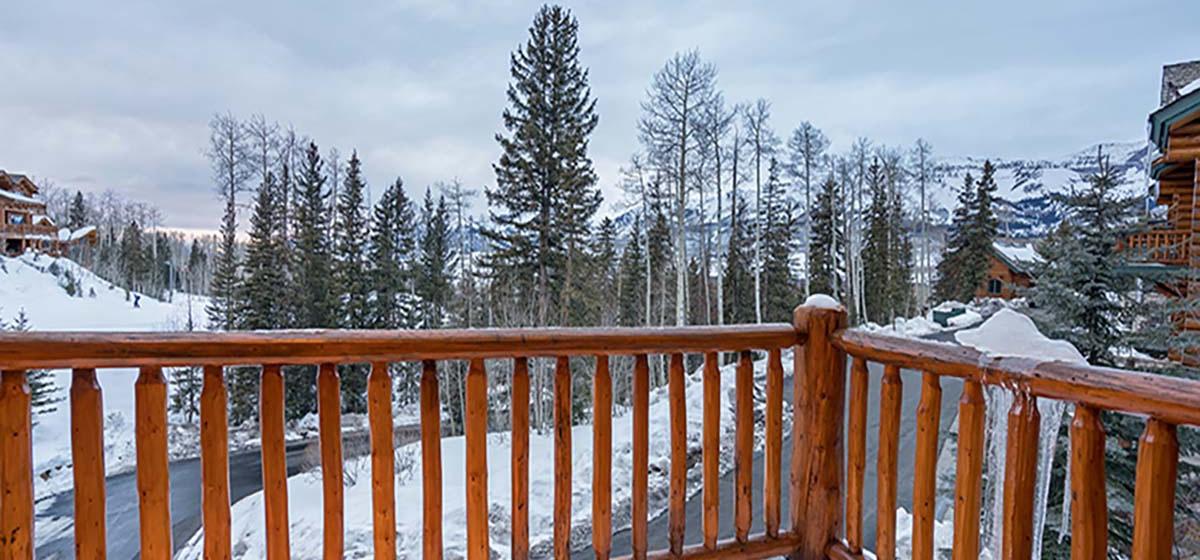 14-MountainVillage-SkisideAtSundance-Deck-V12.jpg