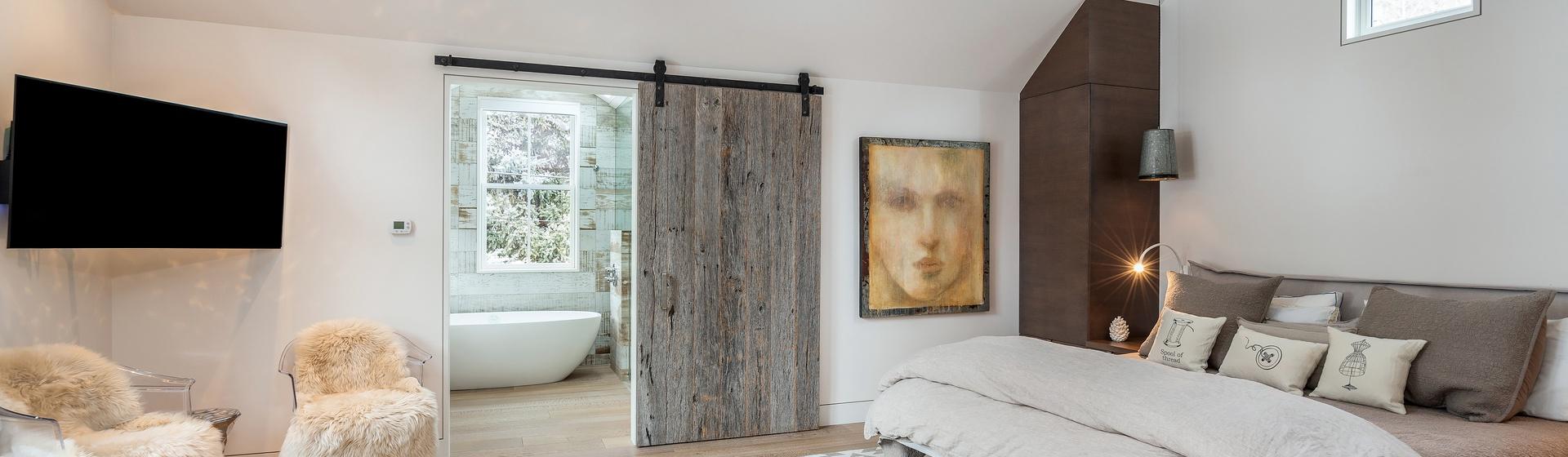 10-Telluride-The-Sunnyside-Main-Level-Master-Bedroom-Web.jpg