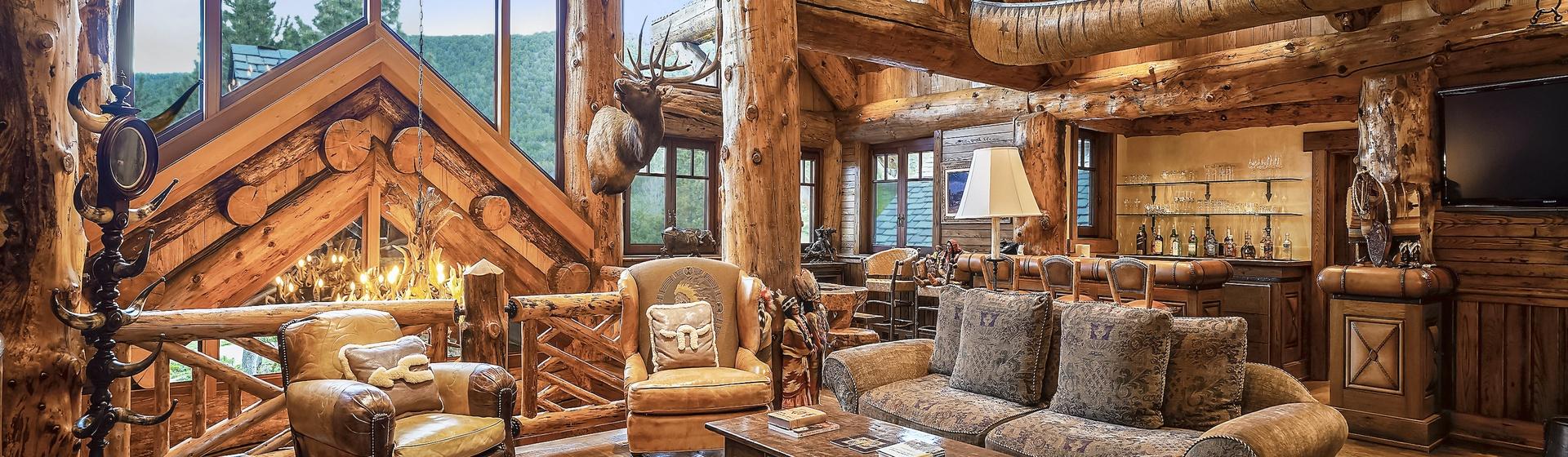 6.2-Telluride-Sleeping-Indian-Ranch-second-floor-landing-sitting-area-web.JPG