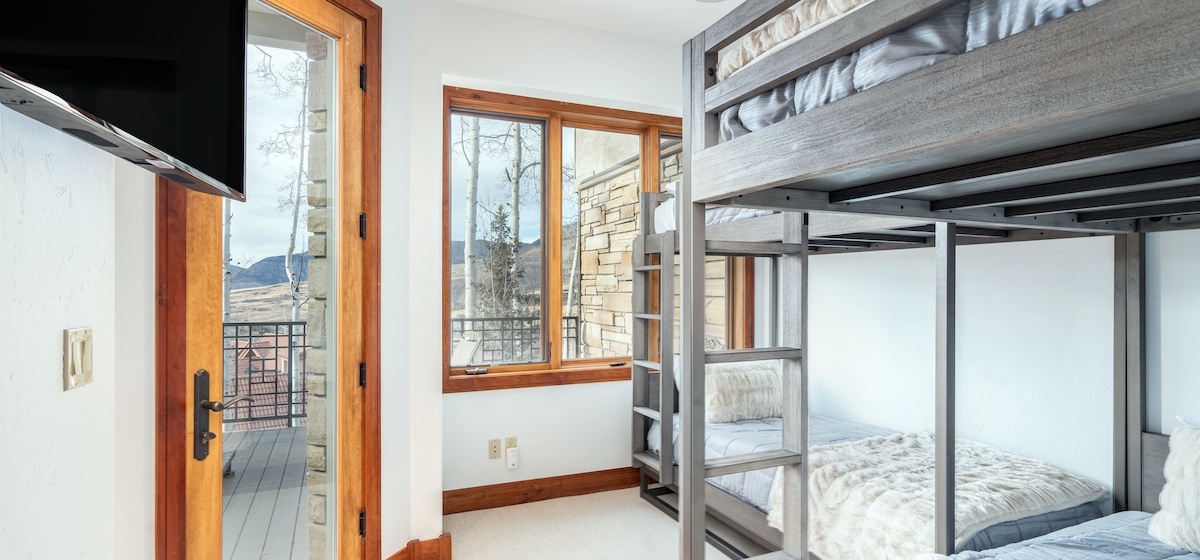 18-Telluride-Aspen-Overlook-Bunk Room-v12.jpg