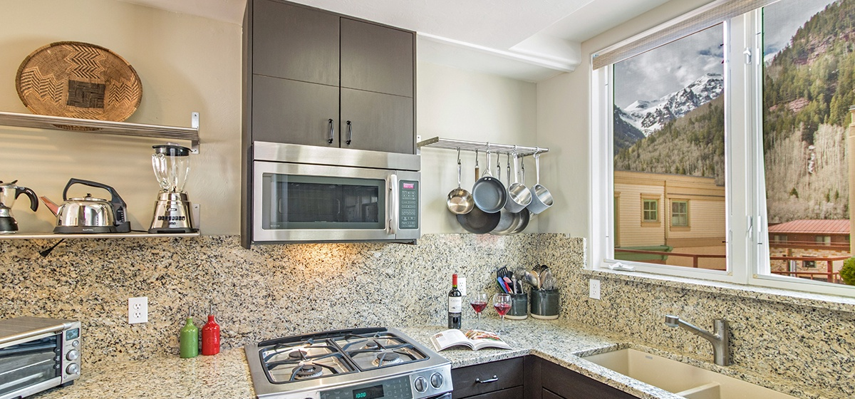 Copy of 9-Telluride-SanJuanPenthouseWest-Kitchen-V12.jpg