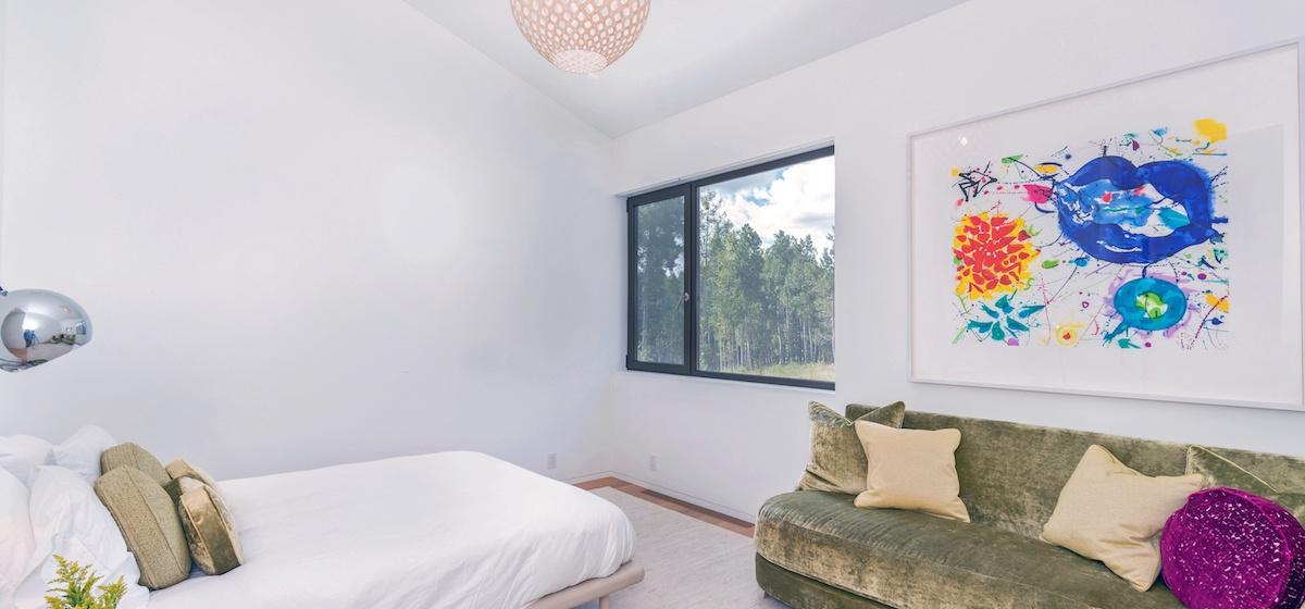 2.06-telluride-mountain-masterpiece-master-bedroom-3-V12.jpg