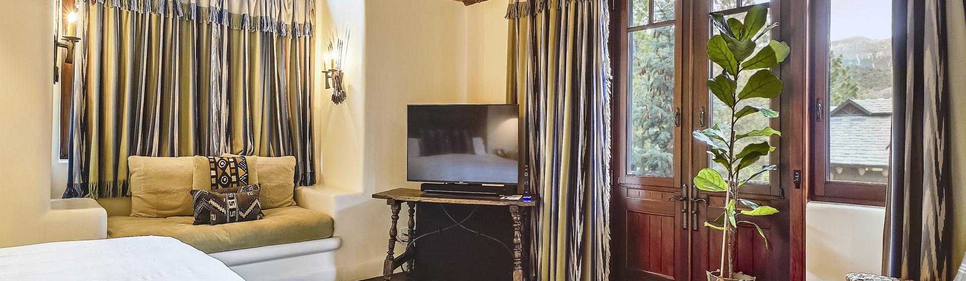8.5-Telluride-Sleeping-Indian-Ranch-Southwest-Suite-Master-Bedroom-G-web.JPG