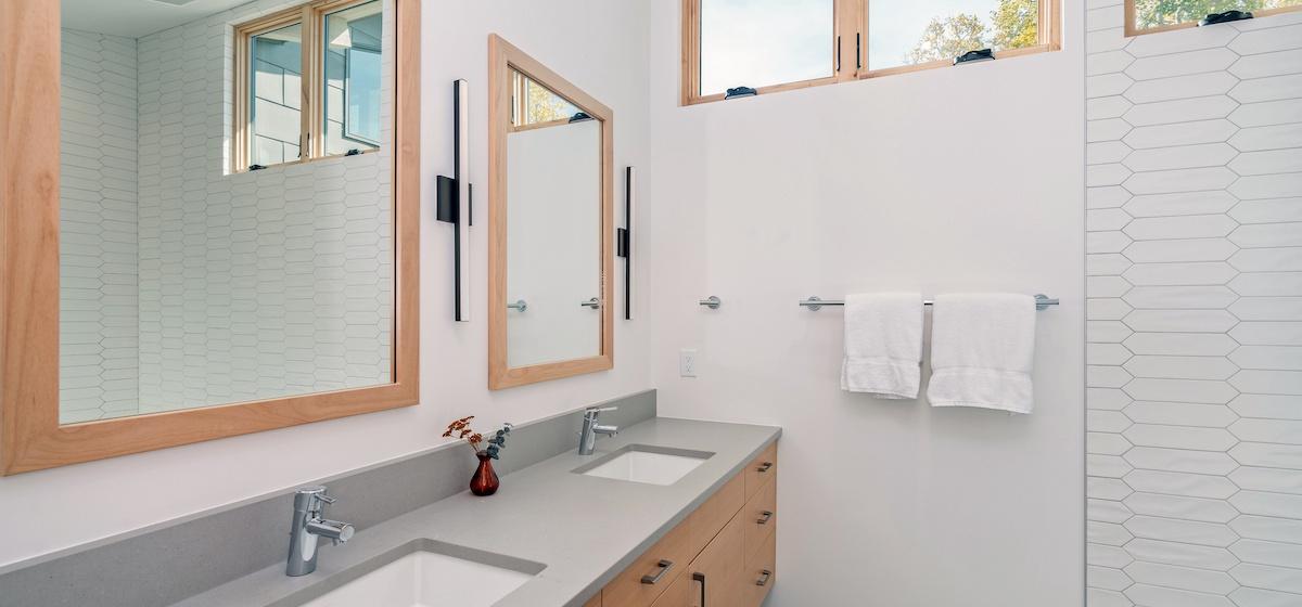 2.09-mountain-village-chalet-cortina-guest-bathroom-1-V12.jpg