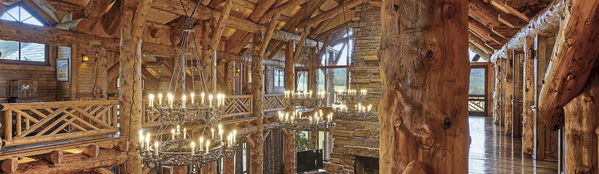 6.1-Telluride-Sleeping-Indian-Ranch-second-floor-balcony-web.JPG