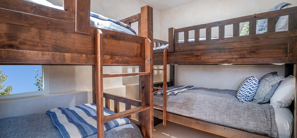28-Telluride-HavenOnSouthOak-bunk-room-V12.jpg