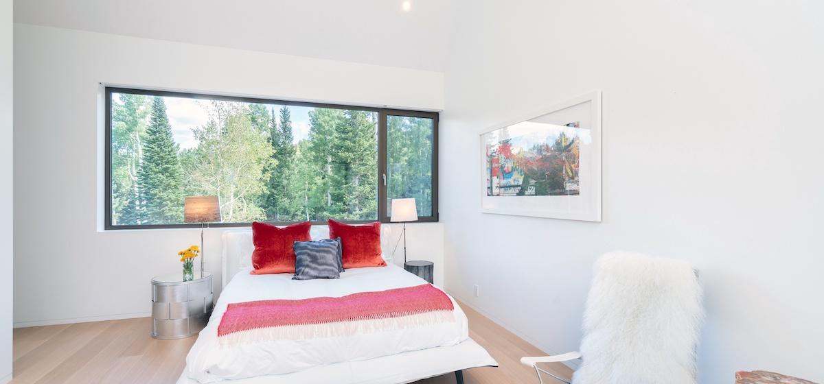 2.10-telluride-mountain-masterpiece-master-bedroom-5a-V12.jpg