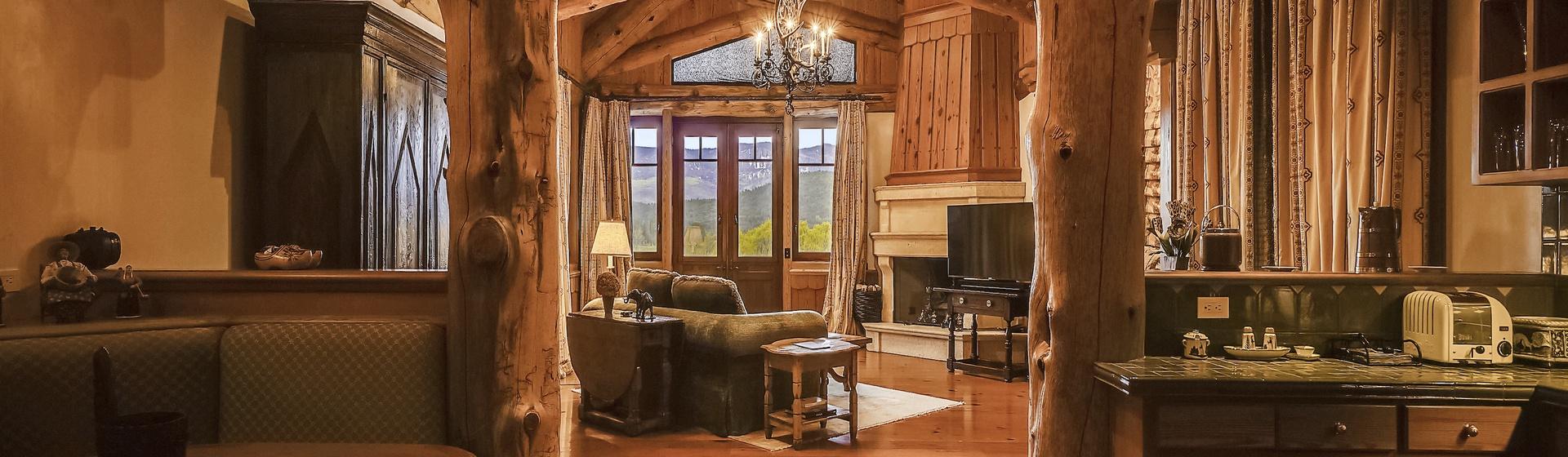 9.3-Telluride-Sleeping-Indian-Ranch-Swiss-Suite-Kitchen-Bar-web.JPG
